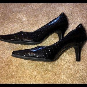 "Life Stride Black Patent ""croc"" leather heels"